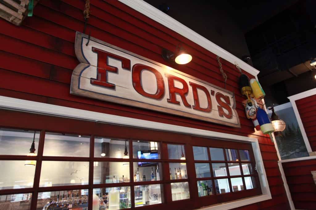 Interior Picture of Ford's Fish Shack in Ashburn